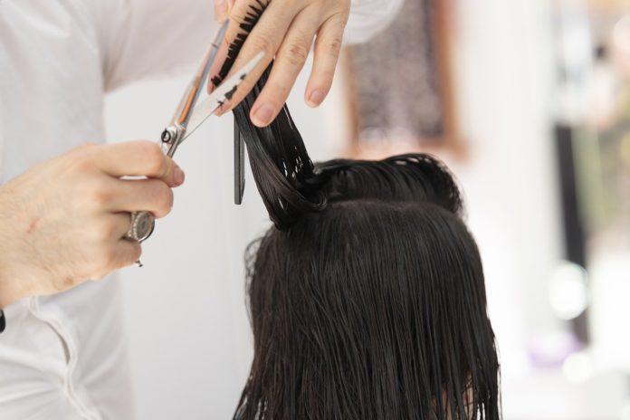Come-tagliare-i-capelli